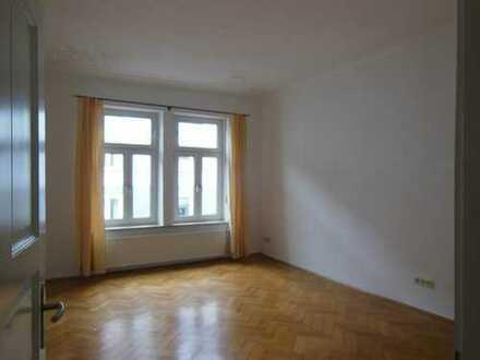Helle, geräumige 4-Zi-Altbau-Wohnung, Glockenbachviertel, München