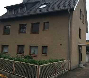 Großzügige, modernisierte 3-Zimmer-Dachgeschosswohnung zur Miete in Monheim am Rhein