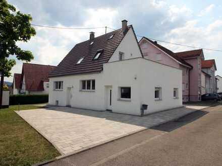 1/2 Familienhaus, freistehend in Haubersbronn.