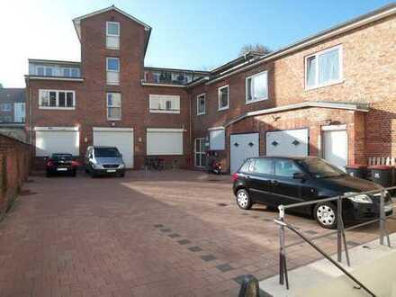 240 m² ruhige Büro- und Ausstellungsfläche m. Garage/Stellpl. *von Privat*