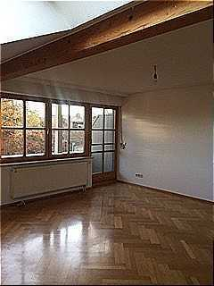 Wunderschönes Dachgeschoss mit Einbauküche, 2 Balkone und Tiefgarage