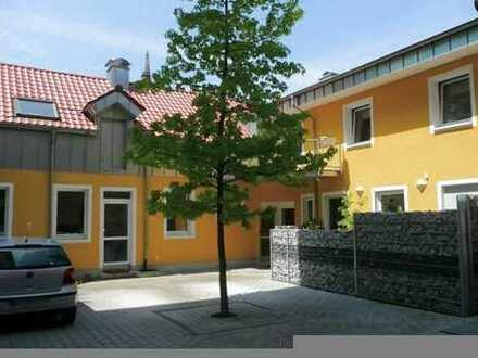 Wohnen und Hobby/Arbeiten -- Wohnung + Büro/Atelierräume mit sep. Eingang