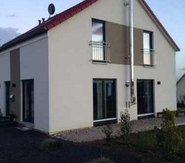 Schönes Haus mit fünf Zimmern in Alzey-Worms (Kreis), Hangen-Weisheim
