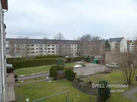 *** schicke 4-R-Wohnung im 1.OG * Balkon * Bad mit Wanne + Fenster * in GABLENZ ***