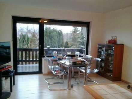 Helle 4-Zimmer-Wohnung mit Balkon in Bilshausen