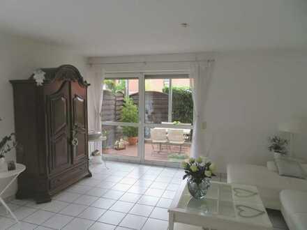 Helle 3-Zimmer-Wohnung mit Fußbodenheizung, bodentiefen Fenstern, Terrasse u. Stellplatz