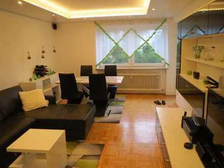 Exklusive, modernisierte 3-Zimmer-Wohnung mit Balkon, EBK & Garage