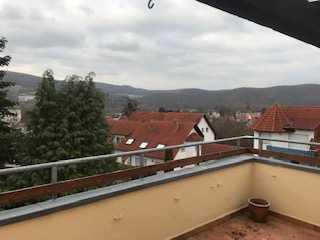 Neuwertige 4-Zimmer-Penthouse-Wohnung mit Balkon und Einbauküche in Bad Sooden-Allendorf