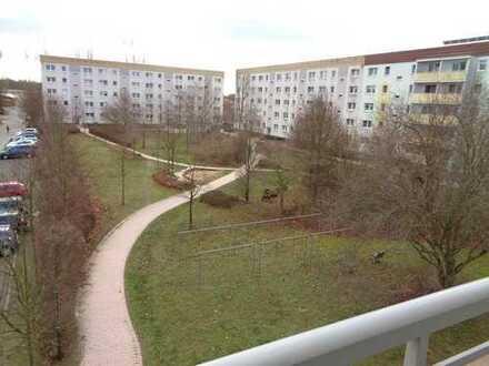 Bild_3-Raum I Einbauküche I Balkon