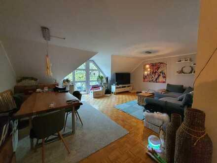 Großzügige sonnige 3 Zimmer Wohnung (106 qm)