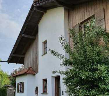 Ruhige Doppelhaushälfte mit großem Garten in Bad Aibling