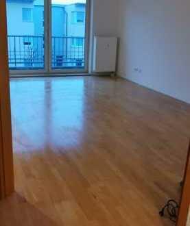 Gepflegte 4-Zimmer-Wohnung mit Balkon und Einbauküche in Ingolstadt Hollerstauden
