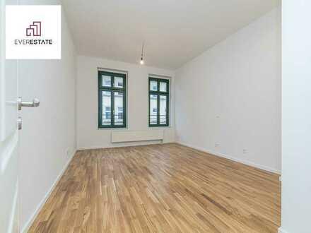 Provisionsfrei und frisch renoviert: Kompakte Altbauwohnung in Top-Lage