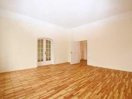 Schöne, geräumige Wohnung direkt an der Theresienwiese