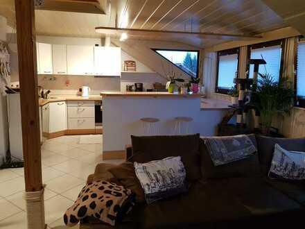Gepflegte 3-Zimmer-Dachgeschosswohnung mit EBK in Ostalbkreis