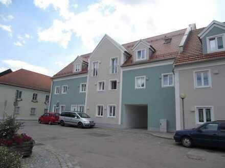 Neuwertige 4,5-Zimmer-Dachgeschosswohnung mit Balkon in Nittenau