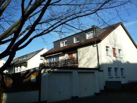 Gemütliche 3-Raum-DG-Wohnung mit Balkon und Einbauküche in Hagen