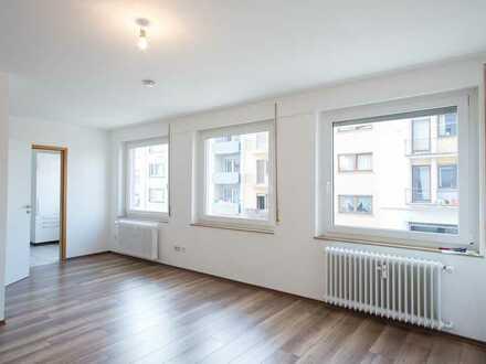 Stilvolle, geräumige und sanierte 1-Zimmer-Wohnung mit Einbauküche in Pforzheim
