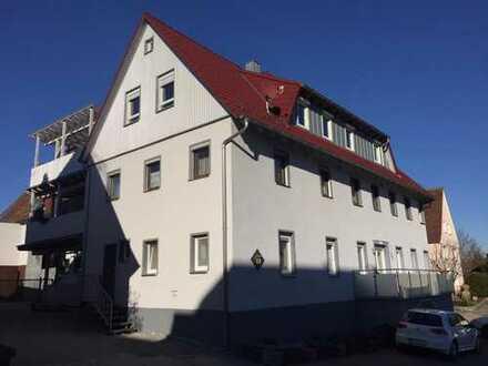 *TRAUMHAFT* Grundstück mit Pferdeanwesen, Reitplatz, Weideland & Mehrfamilienhaus in Adelmannsfelden