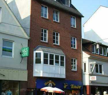 3-Zimmer Wohnung mit Balkon und 2 Bädern in der Vegesacker Fußgängerzone