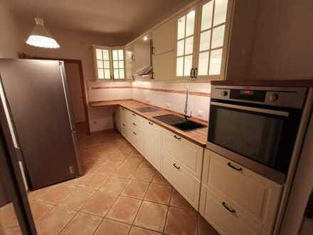 zentrale 3 Zimmer Wohnung - wunderschöne Küche - 2 Balkone - Keller - WG-tauglich - Uni Hochschule