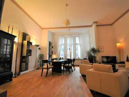 Traumhaftes Altbau Apartment in Bestlage KuDamm Nähe! Fahrstuhl, EBK und hochwertige Ausstattung!