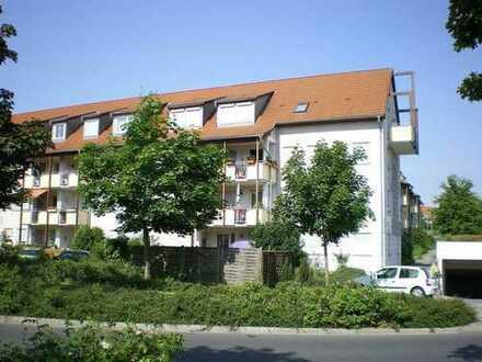 Sonnige Dachgeschosswohnung mit Loggia ab sofort zu vermieten