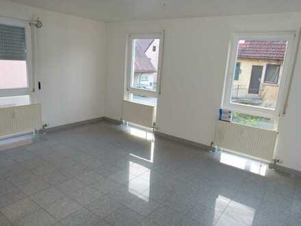 Schöne, helle Wohnung, in kleiner Wohneinheit in Besigheim-Ottmarsheim