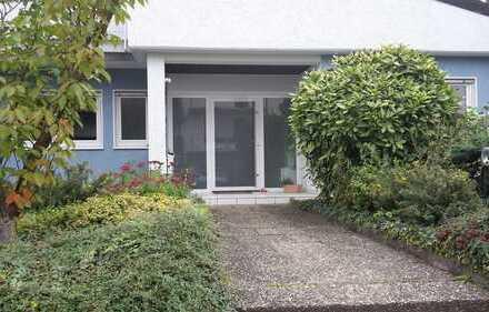 grosse 5 Zimmer Erdgeschosswohnung mit direktem Gartenzugang