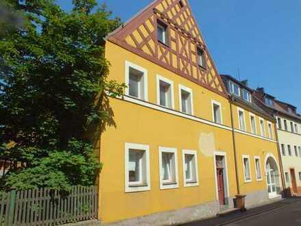 Marktredwitz 2 Zimmer-Wohnung mit Einbauküche, Balkon im Dachgeschoss zur Miete
