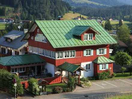 Ländliches, walsertypisches Appartementaus in Riezlern