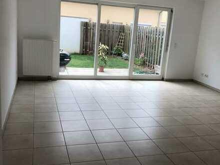 Gepflegte Doppelhaushälfte mit vier Zimmern und EBK in Nufringen