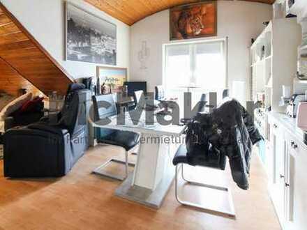 Lukrative Kapitalanlage! Vermietete, toprenovierte 2,5-Zimmer-Wohnung mit neuwertiger EBK