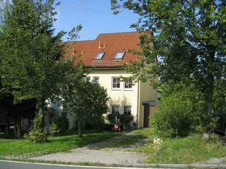 Doppelhaushälften westl. von Hohenstein-Er.