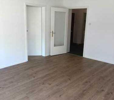 Gepflegte 3-Zimmer-Hochparterre-Wohnung mit Einbauküche in Stellingen, Hamburg