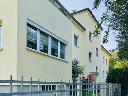 Sehr helle 2 RW mit Balkon in einer grünen Oase in Dresden Zschertnitz