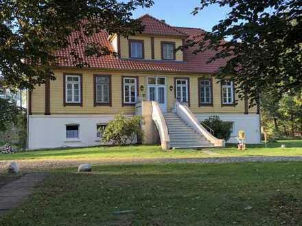 Historisches, repräsentatives Gutshaus in der Lüneburger Heide