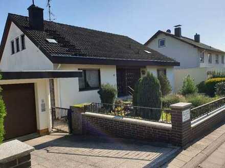 Im Herzen des Rheingaus, großzügiges, freistehendes Haus, ideal für die junge Familie mit Kindern!