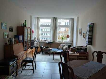 Zentrale geräumige 3-Zimmer Wohnung