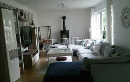Saniertes Einfamilienhaus mit fünf Zimmern und Einbauküche in Rodgau, Nieder Roden