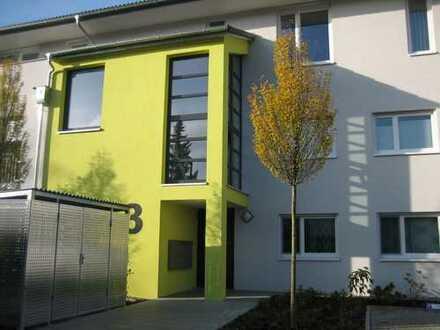 Moderne 2,5-Zimmer-Wohnung in Haltingen, mit EBK, TG-Platz u. zwei Balkonen