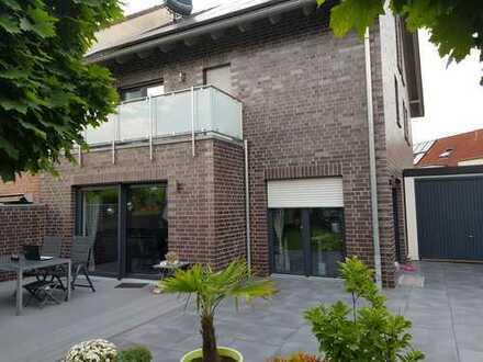 Schönes, geräumiges Haus mit sechs Zimmern in Bochum, Bergen/Hiltrop