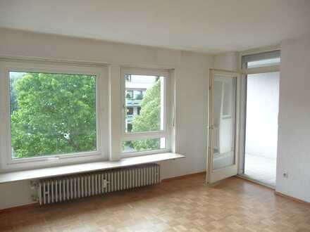 Gepflegte 3-Zimmer-Wohnung mit Balkon und EBK in Neustadt an der Weinstraße