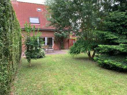 -PROVISIONSFREI- Schöne DHH in Sackgassenlage mit vier Zimmern in Emden, Widdelswehr/Jarßum