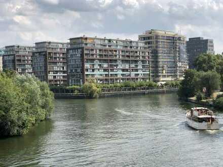 Schöne freundliche möblierte 1-Zimmer-Wohnung 44m² mit tollem Spreeblick in Charlottenburg