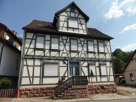 Ein-/ Zweifamilienhaus in Steinbach-Hallenberg (Versteigerungsobjekt)