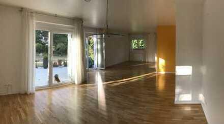 Schöne, geräumige fünf Zimmer Wohnung mit eingewachsenem Garten in Bergstrasse (Kreis), Bensheim