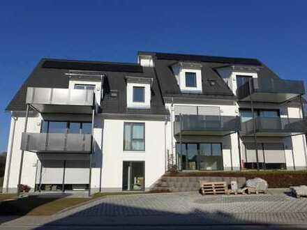 Erstbezug einer sonnigen 3-Zimmer-Dachgeschosswohnung mit sehr schönem Bilck über Bindlach