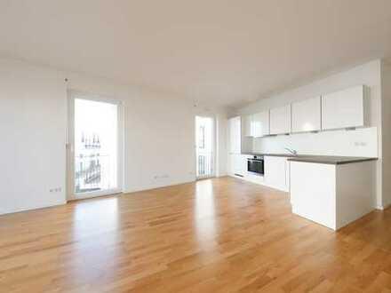 Wunderbar, lebendig, erstklassig - Dreiraumwohnung mit Balkon und EBK auf 93 qm