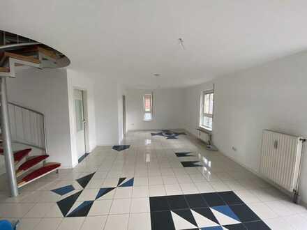 schöne und gepflegte 3-Zimmer-Maisonette-Wohnung mit EBK und Balkon in Heilbronn
